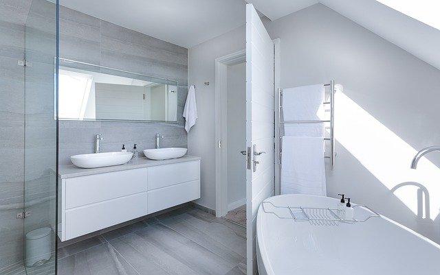 Aménager une salle de bain dans les combles